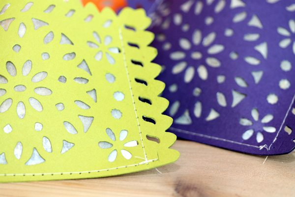 Lifestyle Crafts Doily Banner Die: Create Treat Bags Close