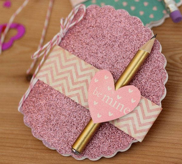 Glitter MIni Notebook Favor with Fiskars Fuse | Damask Love Blog