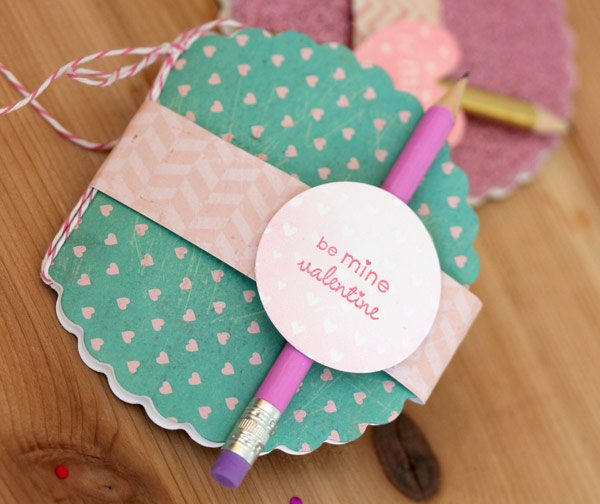 Heart MIni Notebook Favor with Fiskars Fuse | Damask Love Blog