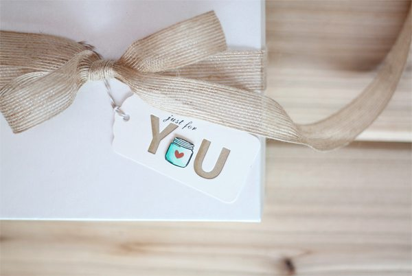 Spread the Love in a Box Tag1 | Damask Love Blog