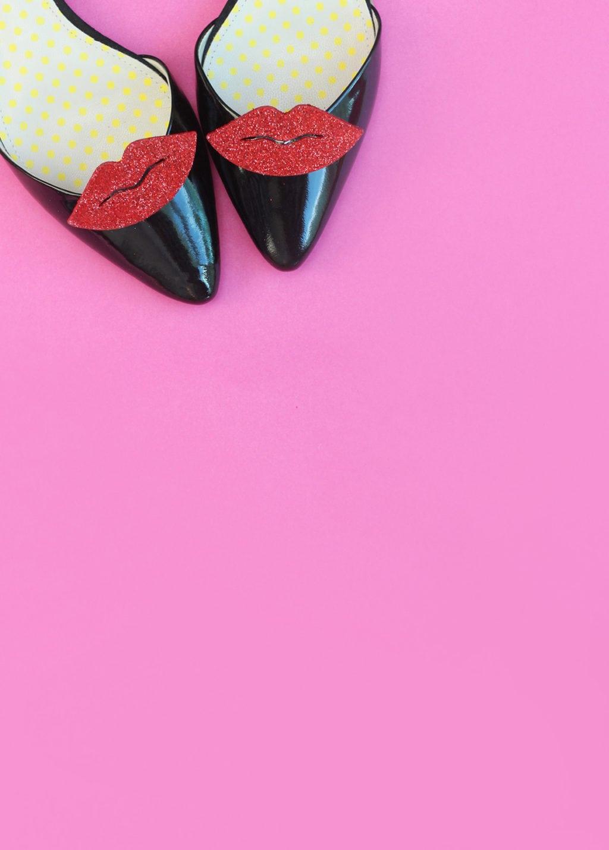 DIY Red Lip Shoe Clips | Damask Love Blog
