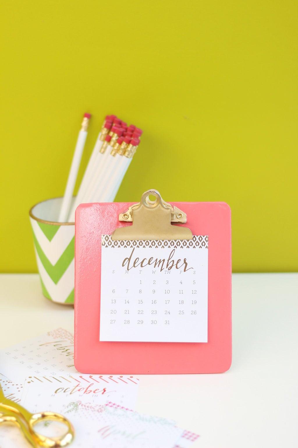 Diy Easel Calendar : Diy clipboard easel calendar damask love