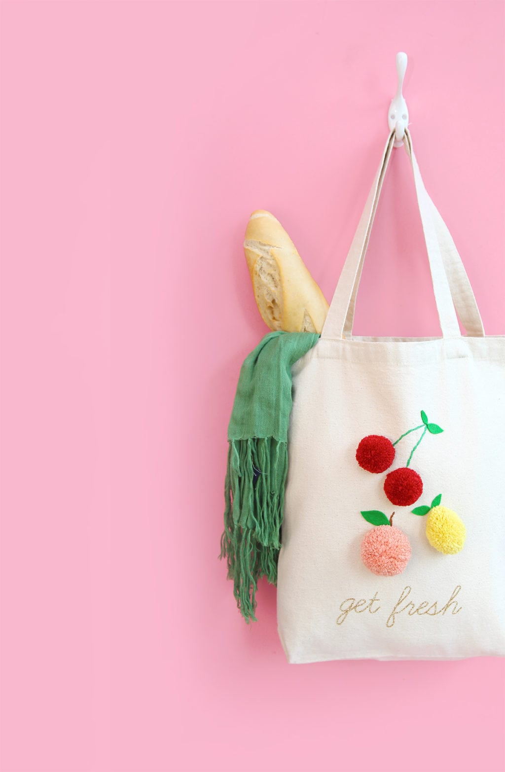 DIY Pom Pom Market Tote | damask love