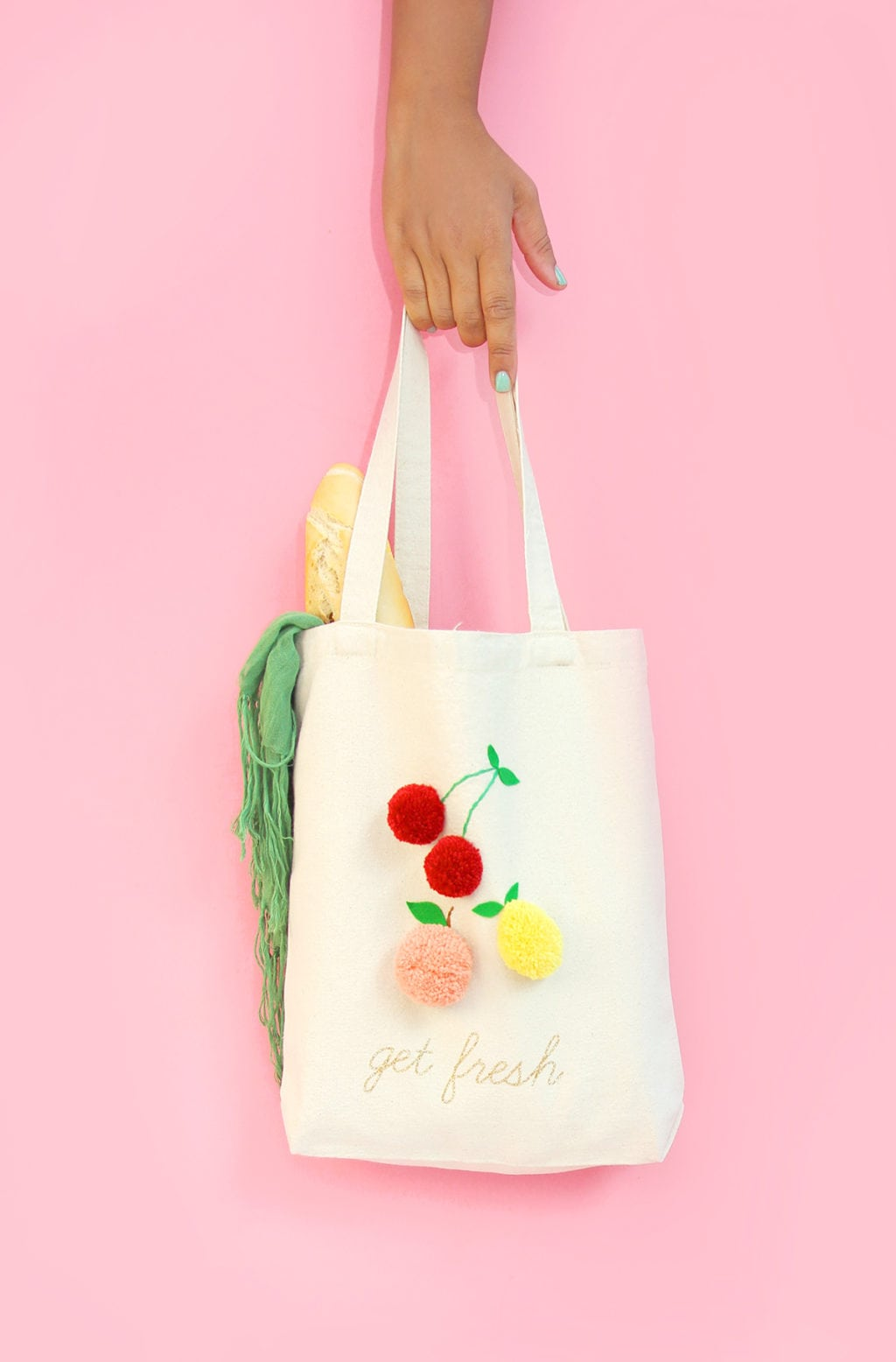 DIY Fruit Pom Pom Tote |damask love