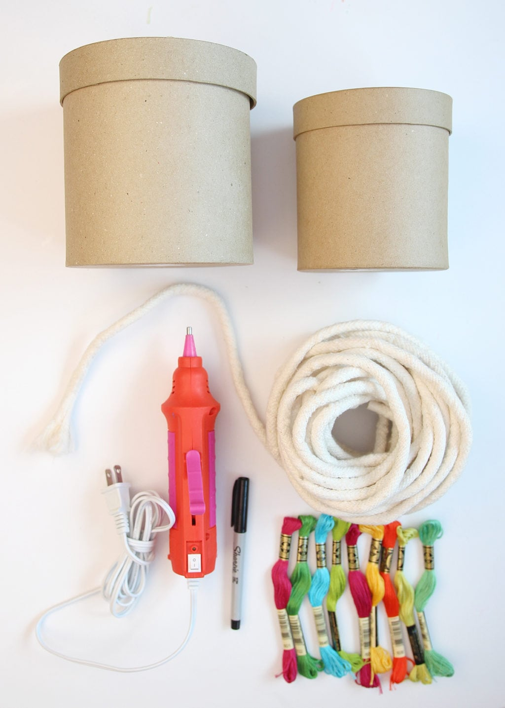 DIY Wrapped Rope Container | damask love