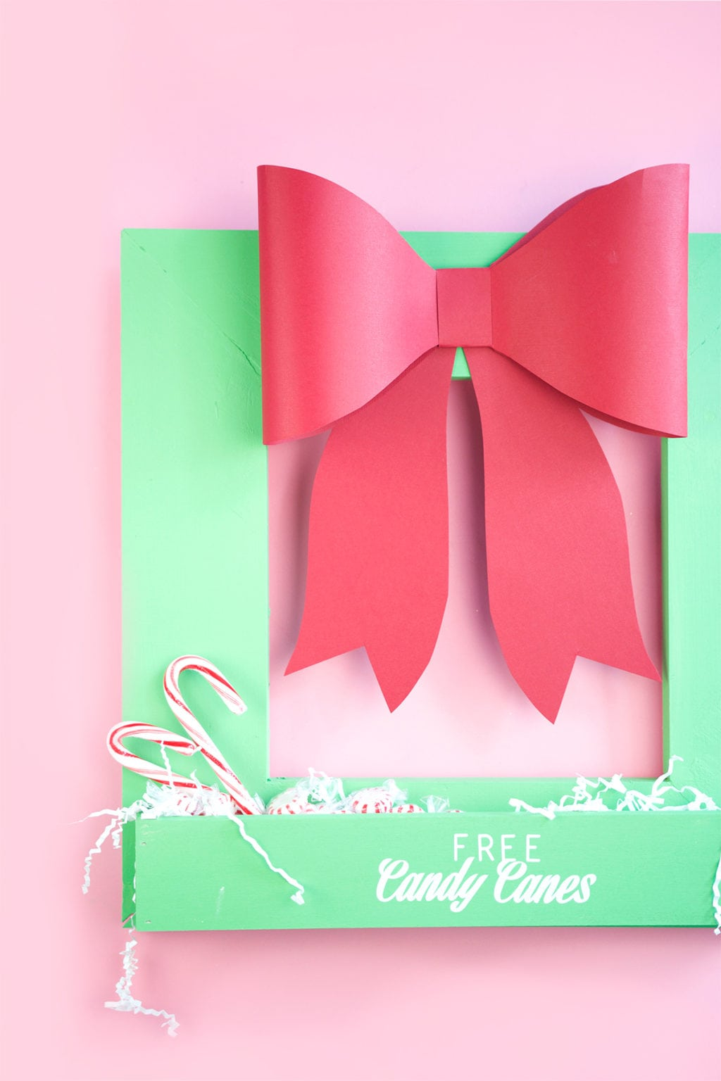 DIY Wood Wreath Candy Holder | damask love